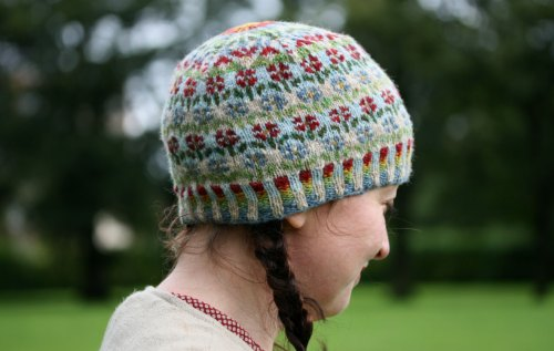 Peerie Flooers Hat by Kate Davies