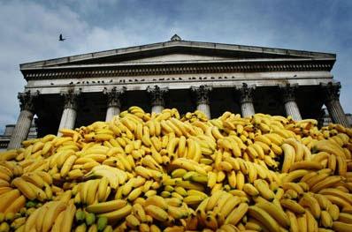 london_bananas_mar_05