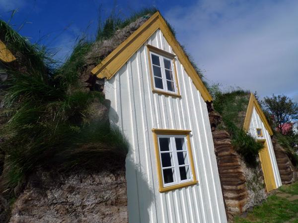 Glaumbaer-Turf_house_for_you